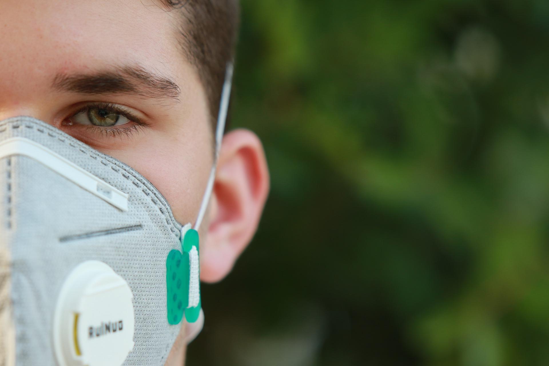 Pontal do Paraná deve rescindir contrato para aquisição de máscaras N95, em razão de sobrepreço e quantidade superior a necessária